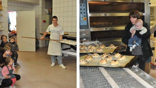 Sébastien, le patron de la boulangerie, enfourne les pâtons des enfants étonnés.