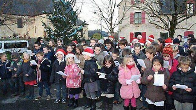 Des choeurs d'enfants avaient ouvert les animations de Noël, l'an dernier, place du Marché.